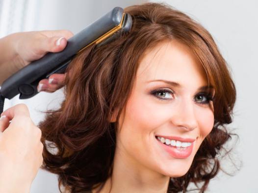 coiffure fer à lisser