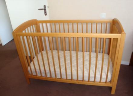 lit bébé d'occasion