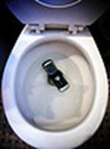 portable dans les toilettes