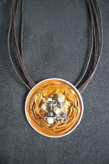 collier avec des capsules nespresso